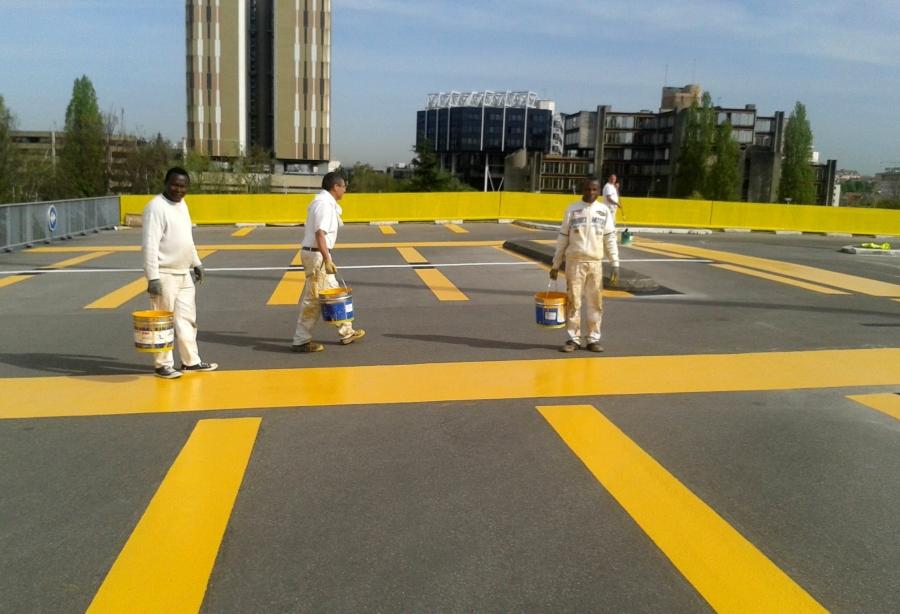 peinture résine de couleur pour parking extérieur