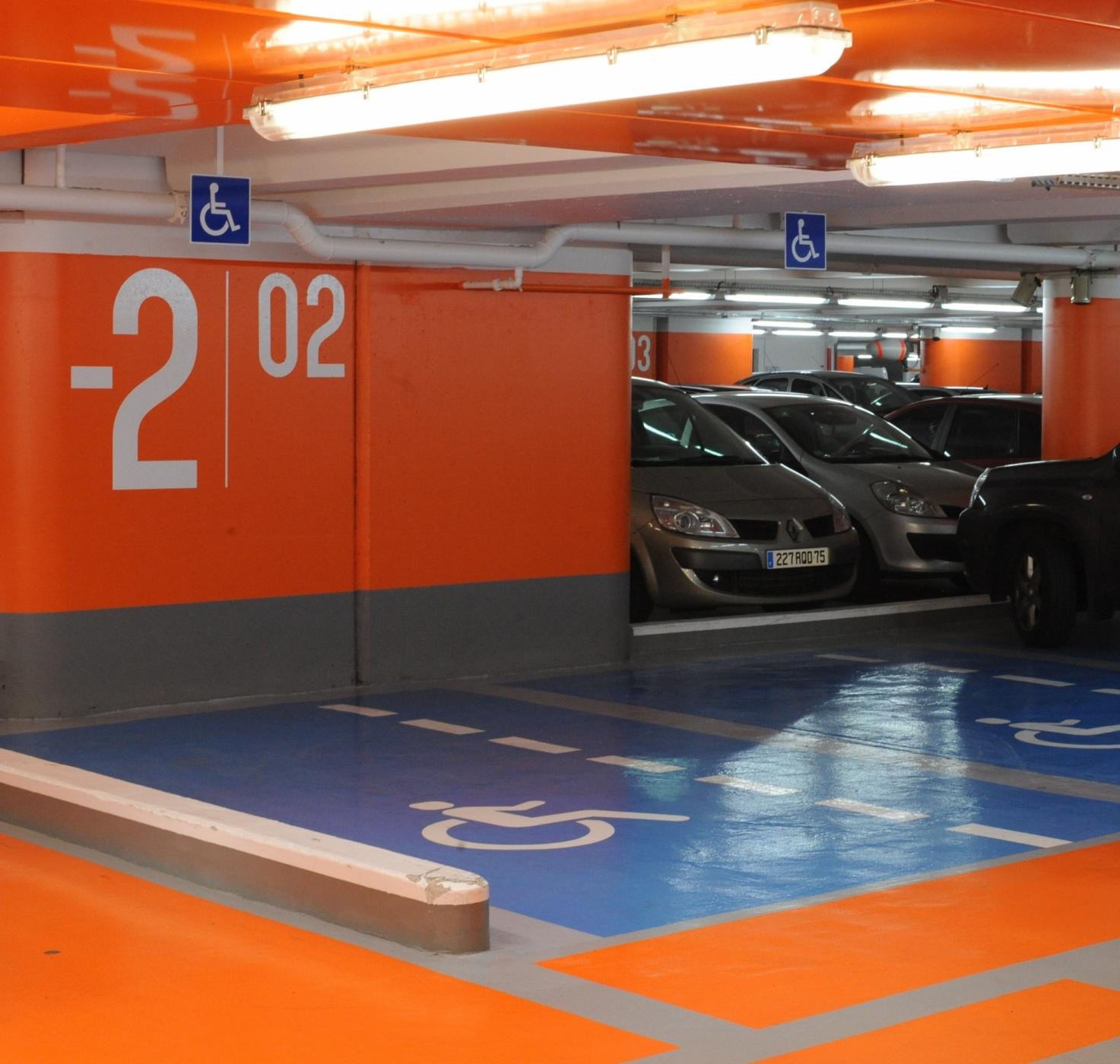 Peinture résine de couleur pour parking souterrain